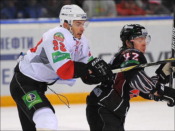 Дмитрий Сёмин (справа)