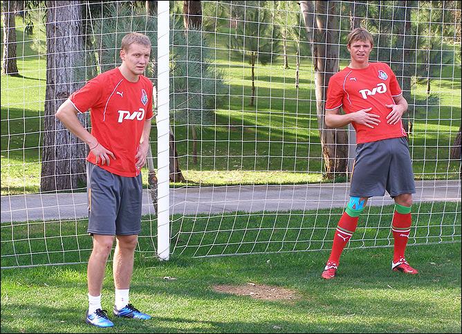 Игорь Смольников и Дмитрий Тарасов продолжают работать по индивидуальной программе.