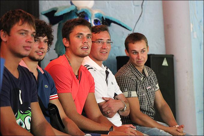 Антон Петров (первый слева)