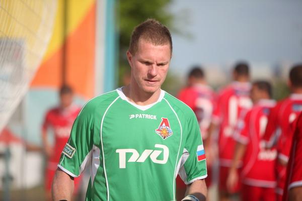 Андрей Бухлицкий умеет не только защищать ворота, но и забивать красивые, нужные голы