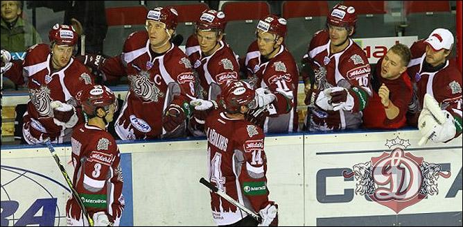 11.10.2010. КХЛ. Динамо Р - Локомотив - 5:3. Фото 03.