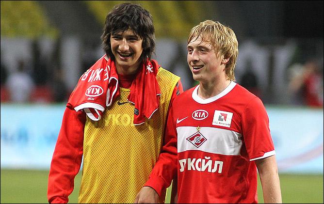 Сергей Брызгалов (справа)