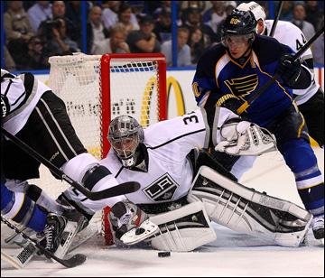 "30 апреля 2013 года. Сент-Луис. Плей-офф НХЛ. 1/8 финала. Матч № 1. ""Сент-Луис"" — ""Лос-Анджелес"" — 2:1 (ОТ)"