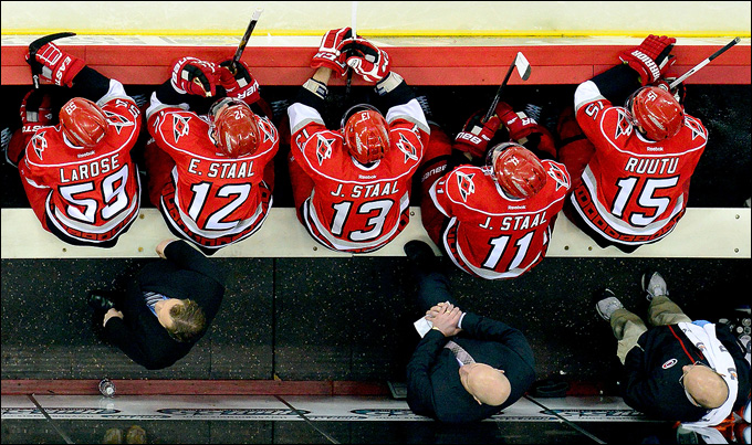 "Как дела, НХЛ? ""Каролина Харрикейнз""."