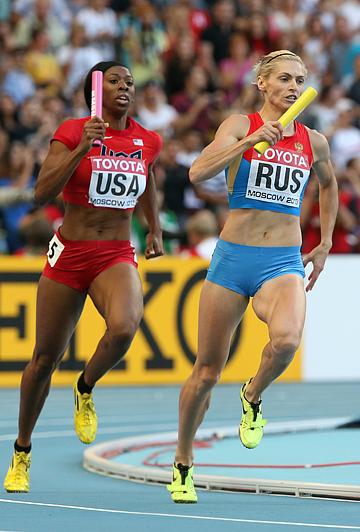 Чемпионат мира по лёгкой атлетике. Женщины. Эстафета 4х400. На последнем этапе за нашу команду бежала Антонина Кривошапка