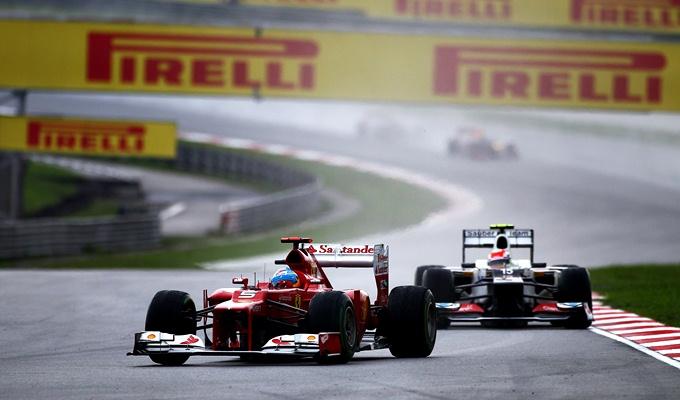 Перес гонится за Алонсо на Гран-при Малайзии