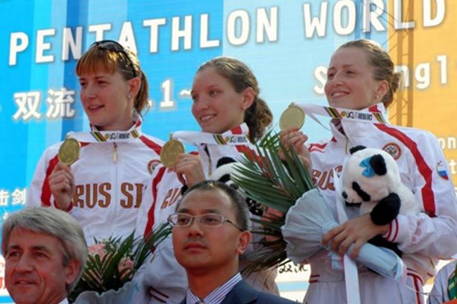 Екатерина Хураськина, Евдокия Гречишникова и Полина Стручкова — чемпионки мира-2010