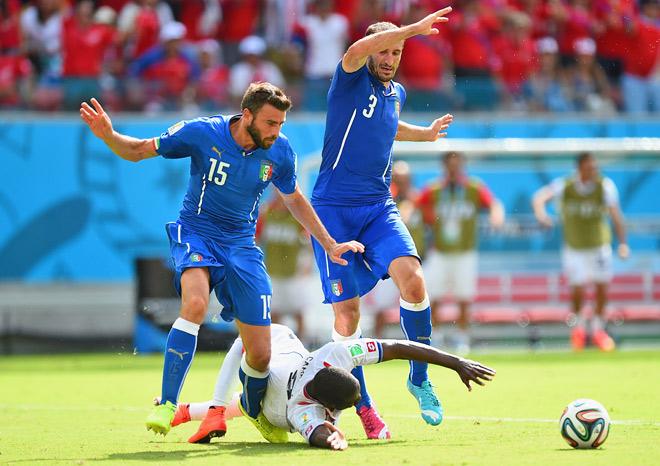 Италия — Коста-Рика — 0:1. Фол против Жоэля Кэмпбелла