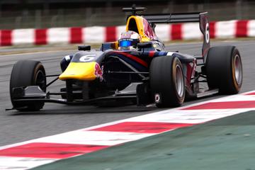 Квят на предсезонных тестах GP3 в Барселоне