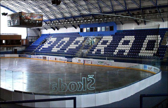 """Хорошая арена. Правда, не основная, а запасная. Сюда придется перебраться ХК """"Попраду"""" из словацкой Словнафт-Экстралиги."""