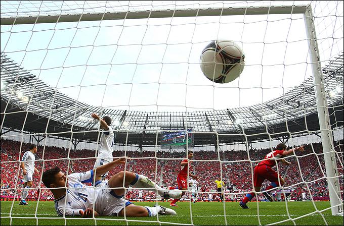 Вацлав Пиларж делает счёт 2:0