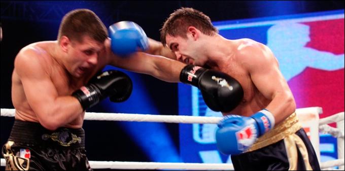 Бой Митрофанова и Деревянченко был самым ожидаемым.