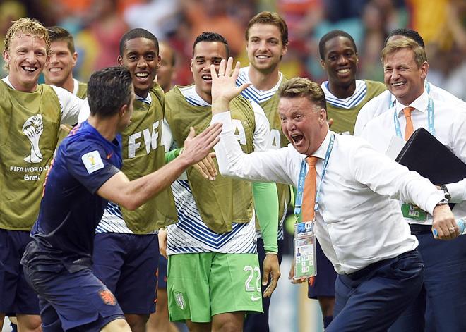 Луи ван Гал и его команда разгромили Испанию со счётом 5:1 в матче 1-го тура группового этапа чемпионата мира