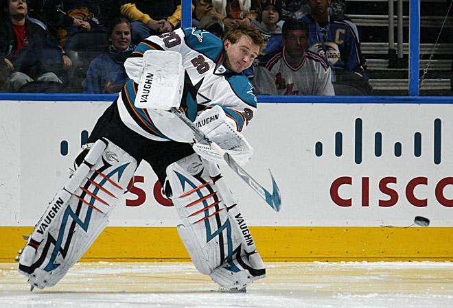 Евгений Набоков стал первым вратарём, забившим гол в НХЛ