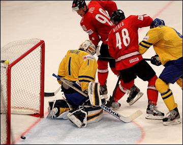 20 мая 2013 года. Стокгольм. Чемпионат мира. Финал. Швейцария — Швеция — 1:5. Роман Йози открывает счёт в финальном матче