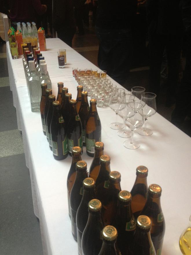 В вип-зале немецкое пиво и русская водка