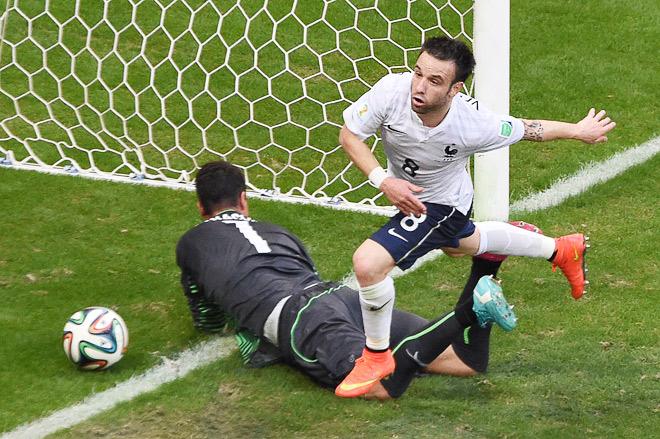 Швейцария — Франция — 2:5. Матьё Вальбуэна ставит точку в блестящей атаке «трёхцветных»