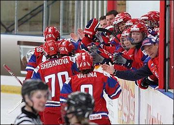 Женская сборная России празднует очередной гол в ворота Германии