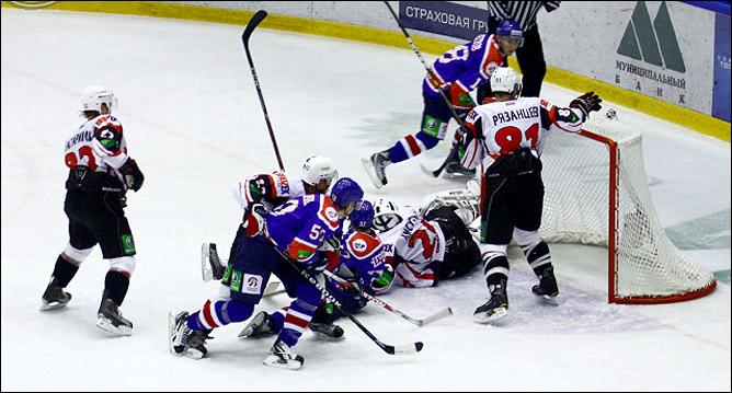 14.10.2010. КХЛ. Сибирь - Автомобилист - 5:2. Фото 05.