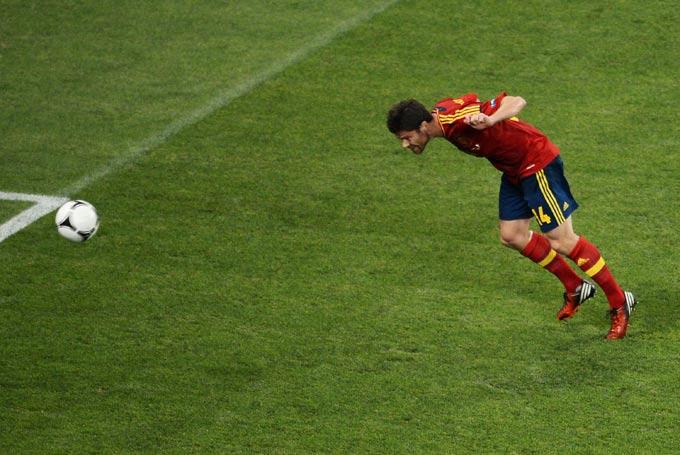 Хаби Алонсо открывает счёт в матче с Францией