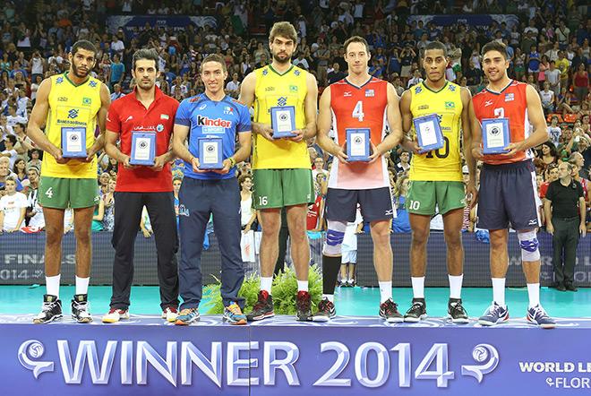 Тейлор Сандер – лучший игрок Мировой лиги 2014 года (крайний справа)