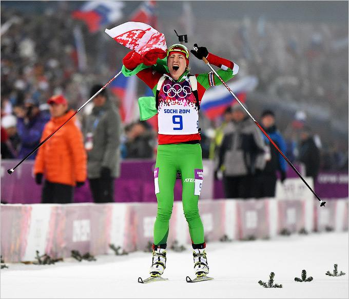 Домрачева смогла финишировать в гонке преследования с флагом