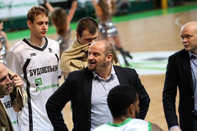 Звездан Митрович по-прежнему сетует на отсутствие разыгрывающего
