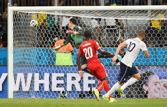 Швейцария — Франция — 2:5. Незасчитанный гол Карима Бензема…