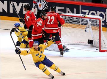 """20 мая 2013 года. Стокгольм. Чемпионат мира. Финал. Швейцария — Швеция — 1:5. """"Тре крунур"""" выходит вперёд"""