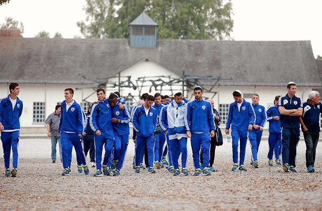Сборные команды Германии, Италии и Израиля до 17 лет посетили бывший концентрационный лагерь Дахау