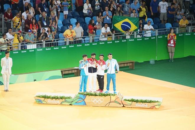 Медальная церемония в дзюдо