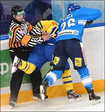 15 декабря 2012 года. Москва. Еврохоккейтур. Финляндия — Швеция — 1:4
