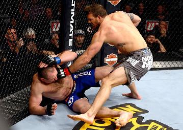Райан Бейдер – Владимир Матюшенко. UFC on FOX 6 (00:56, 1 раунд, удушение гильотиной)