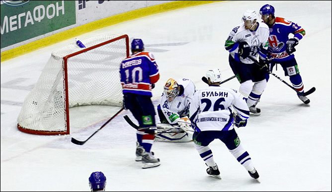 16.10.2010. КХЛ. Сибирь - Нефтехимик - 3:2. Фото 03.