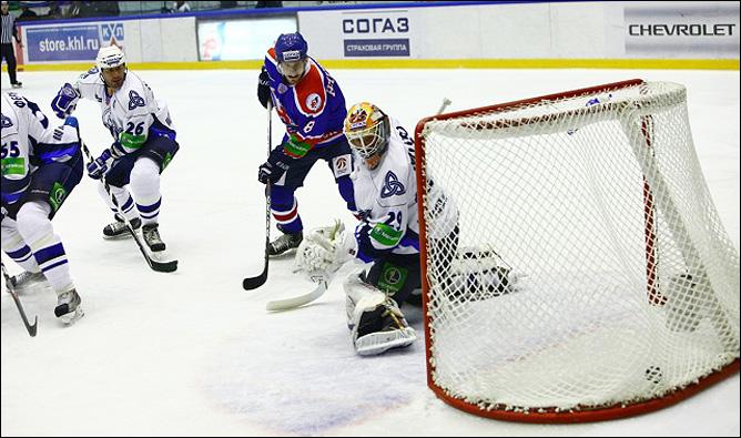 16.10.2010. КХЛ. Сибирь - Нефтехимик - 3:2. Фото 05.