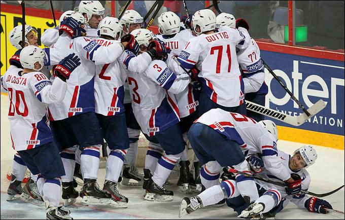 Сборная Франции обыграла сборную России в хоккей…
