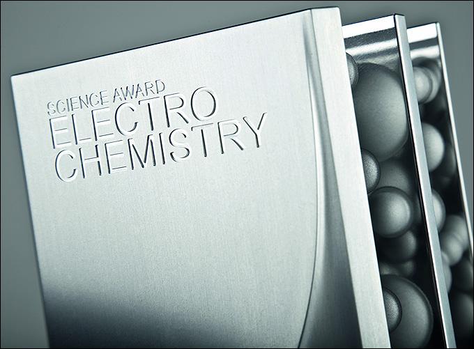 Международная награда за научные достижения в области электрохимии, учрежденная компаниями BASF и Volkswagen AG.