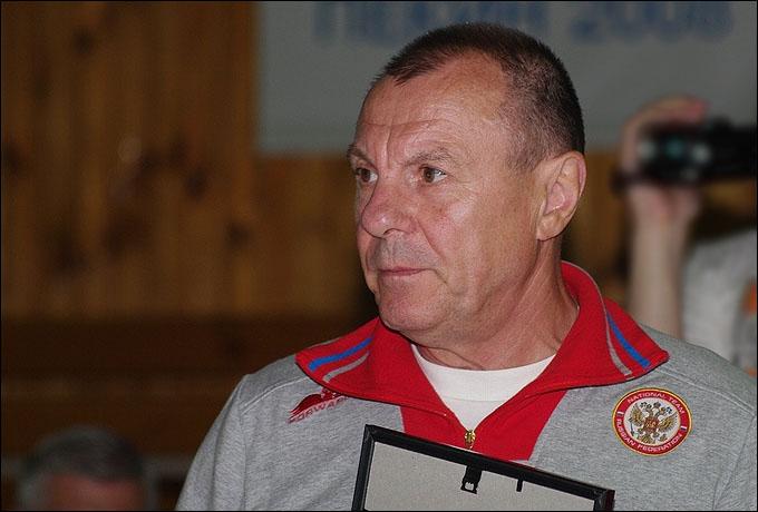 Тренер мужской сборной Николай Хромов
