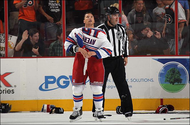 Приходи, Шон, в КХЛ. А то у нас Мирасти с Бреннаном некому провоцировать…