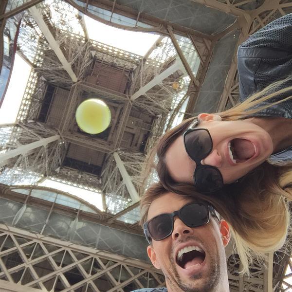Боб Брайан с супругой посетили Эйфелеву башню