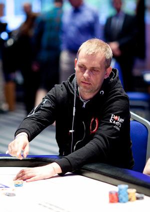 Артем Литвинов за финальным столом
