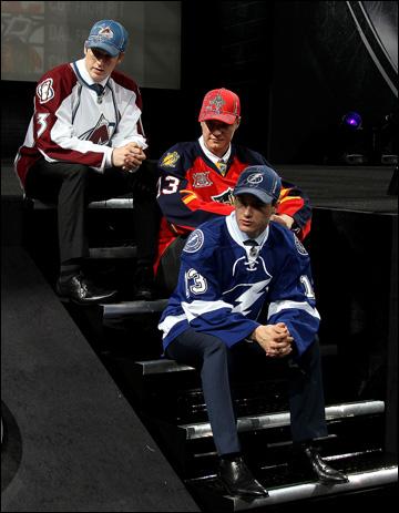 Первая тройка драфта-2013. Слева направо: Нэтан Маккиннон, Александр Барков и Джонатан Друэн