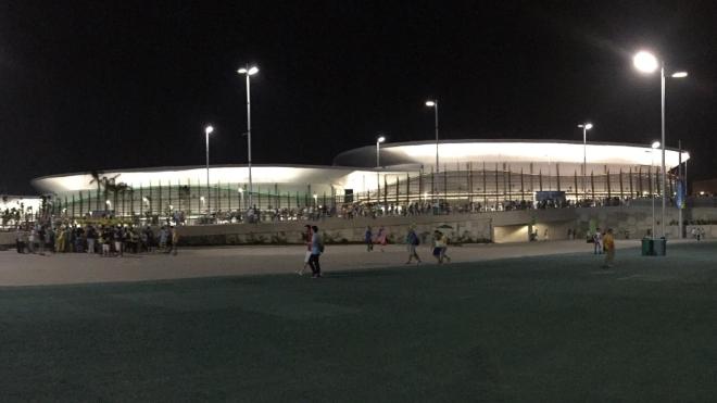 Стадион в стадионе