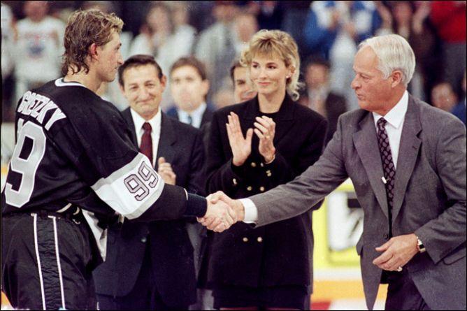 Фрагменты сезона. 15 октября 1989 года. Эдмонтон. Чествование самого результативного хоккеиста в истории НХЛ Уэйна Гретцки.