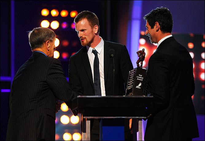 Даниэль Седин – лучший хоккеист лиги сезона-2010/11 по мнению самих хоккеистов