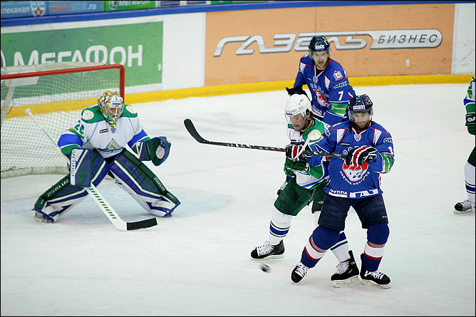 18.10.2010. КХЛ. Торпедо - Салават Юлаев - 3:0. Фото 04.