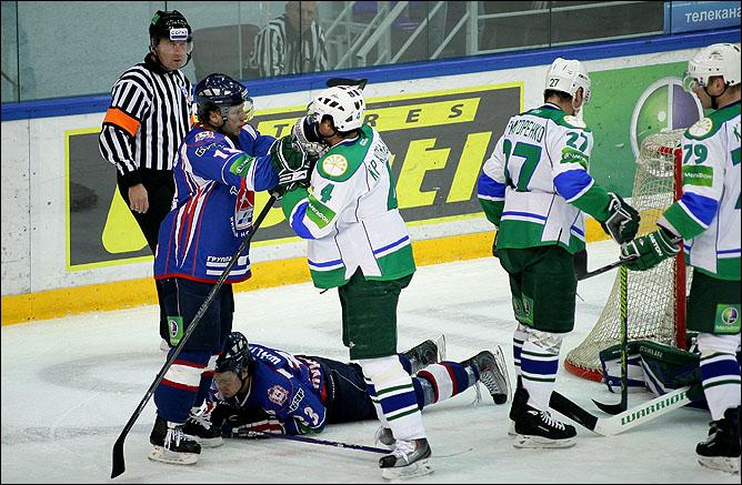 18.10.2010. КХЛ. Торпедо - Салават Юлаев - 3:0. Фото 05.
