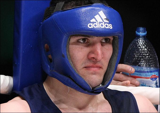 Артур Бетербиев со своей второй Олимпиады постарается вернуться не с пустыми руками