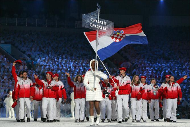 Яков Фак был знаменосцем на открытии Олимпиады в Ванкувере. Комментарии излишни
