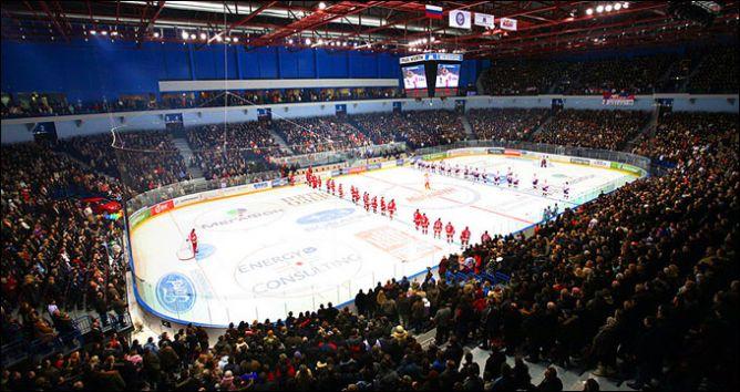 """Арена """"Металлург"""" — одна из самых уютных и домашних в КХЛ. Но отнюдь не из самых посещаемых"""